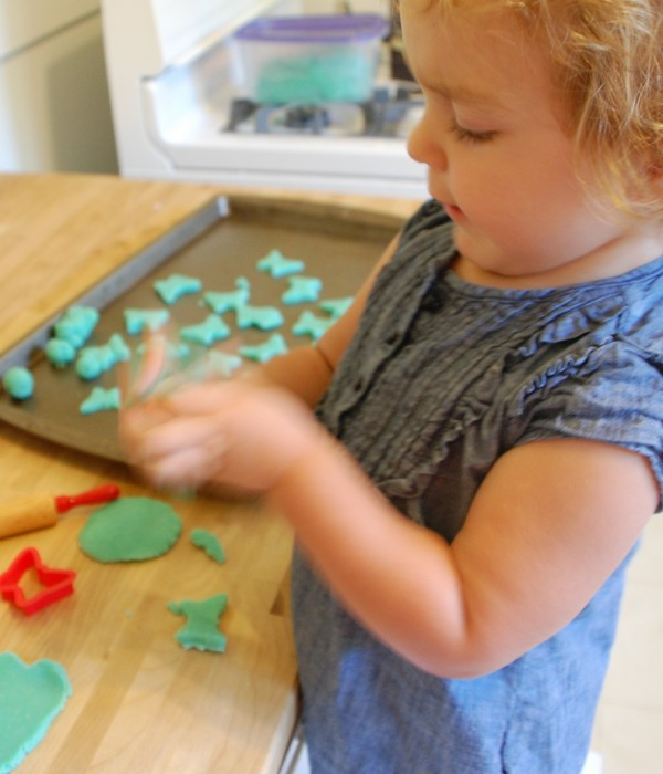 Playing with Homemade Playdough | TinkerLab.com