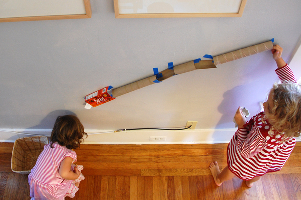 Build a marble run from recyclables to encourage problem-solving and creative thinking | TinerkLab.com