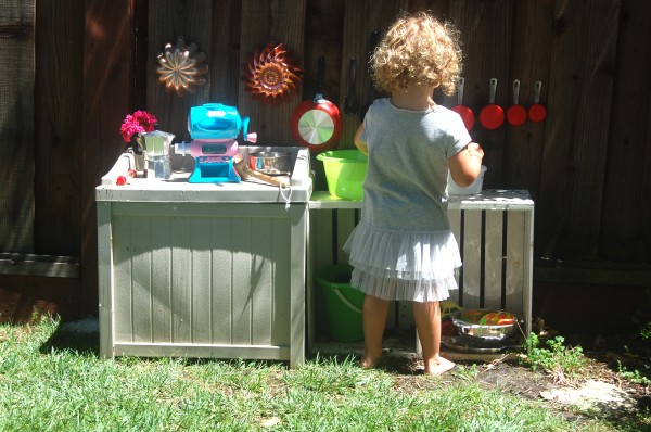 playing in mud pie kitchen