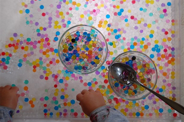 Water beads and Kids | A fun sensory Experience | Tinkerlab.com