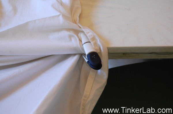 how to clip sheet to the table for a fort