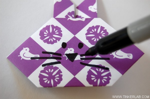How to make a simple and cute origami rabbit. It's so easy that kids can do this successfully. Perfect for Easter!
