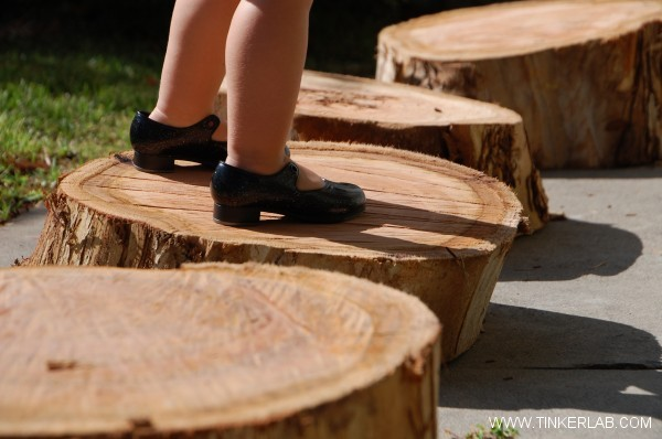 How to score tree stumps for your play scape, from Tinkerlab.