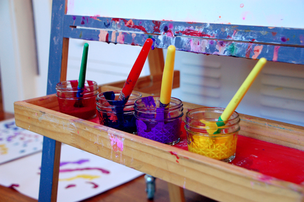 paint at the easel