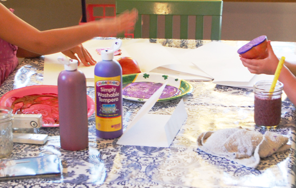 How to make apple prints with kids