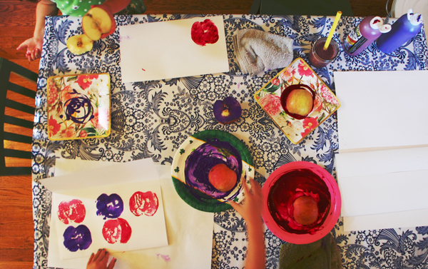apple prints table