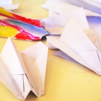 How to make a paper airplane | Tinkerlab