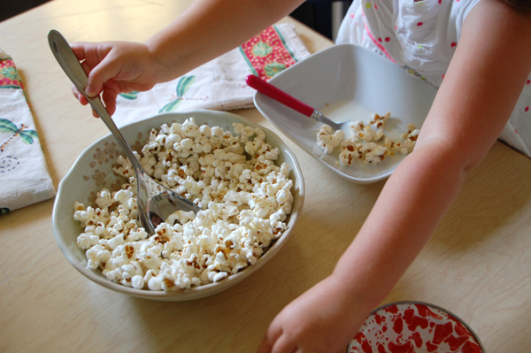 popcorn cereal tomie depaola