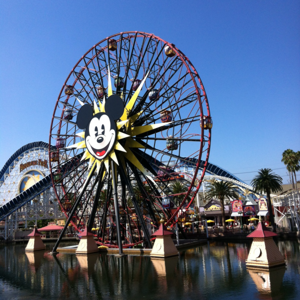 mickey's fun wheel ferris wheel california adventure
