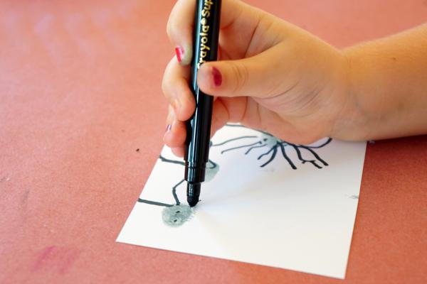 Fingerprint Spiders Making Prints