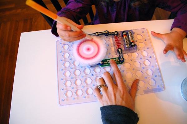 Snap Circuit Spin Art Machine 1