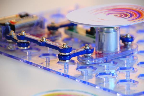 Snap Circuit Spin Art Machine