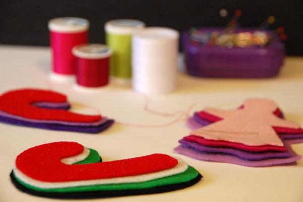 How to make sweet keepsake felt ornaments with kids | TinkerLab.com
