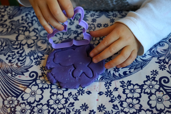 Three essential play dough tools (that you may already have) | Tinkerlab