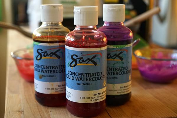 Liquid watercolors for easy homemade finger paint | Tinkerlab.com
