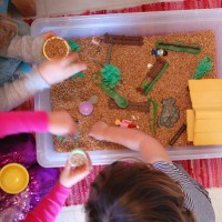 Should food be used in toddler sensory activities? | TinkerLab.com