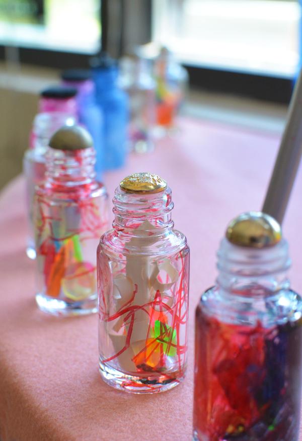 Tinkering Jars in the Reggio Art Classroom | Meri Cherry on TinkerLab.com