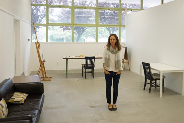 Artist Rachelle Doorley in Art Studio | TinkerLab.com