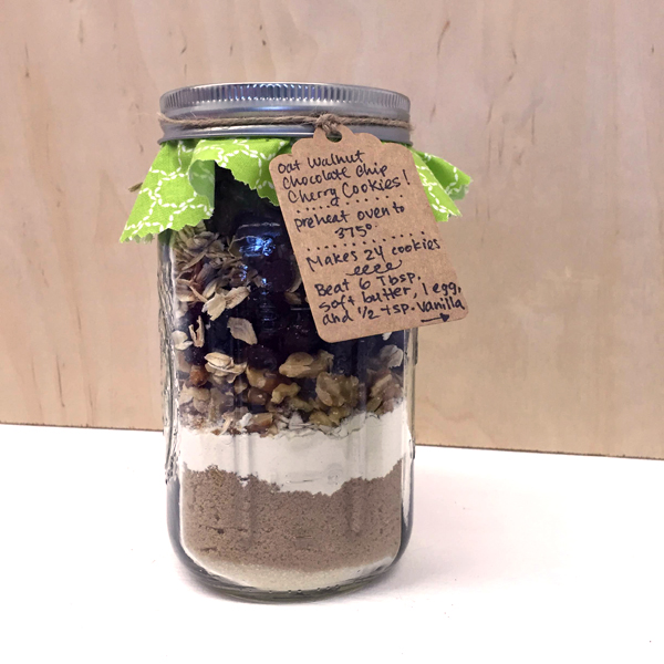 Easy Holiday Gifts   Cookie Jars   TinkerLab