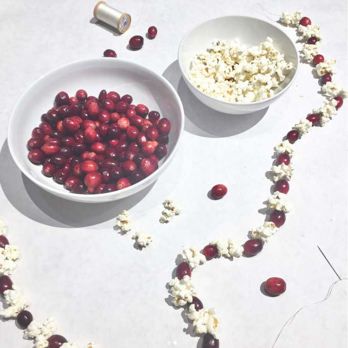 how to make cranberry popcorn garland